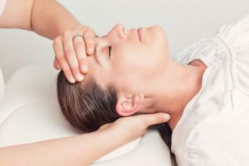 Osteopathie Varel - Behandlung von Kopfschmerzen, Wirbelsäulenbeschwerden, Tinitus, Schwindel und mehr.